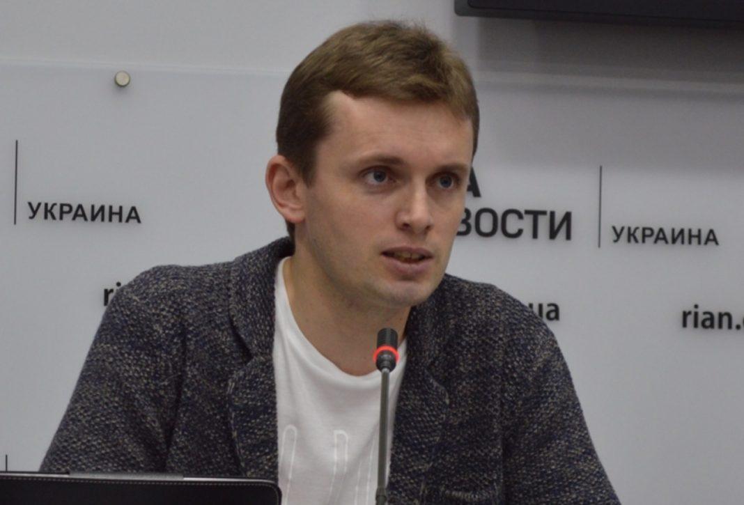 Политолог Бортник назвал провокации против России причиной украинского кризиса