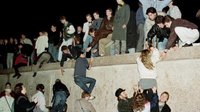 История Берлинской стены. Кто и зачем ее построил? Дата основания и разрешения