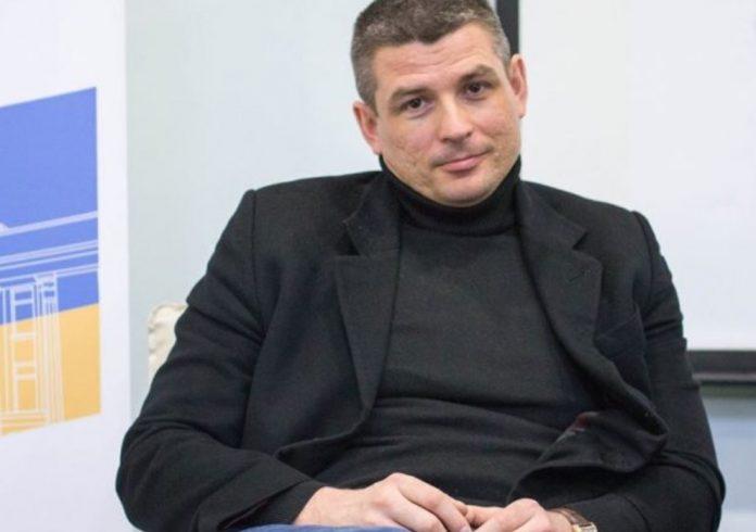 Гладких Валентин Валерьевич - биография. Политолог. Семья. Возраст. Личная жизнь. Стаханов