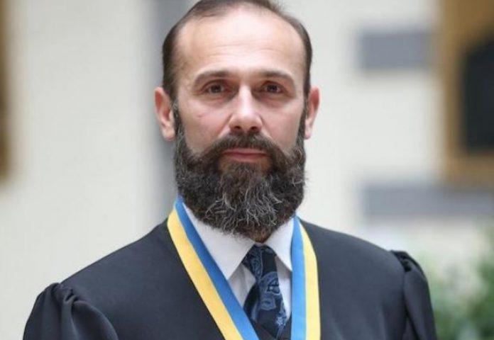 Емельянов Артур Станиславович (Ємельянов Артур) - биография. Судья. Новости