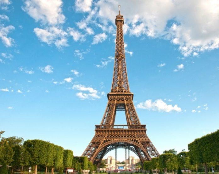 Эйфелеву башню снова откроют для туристов