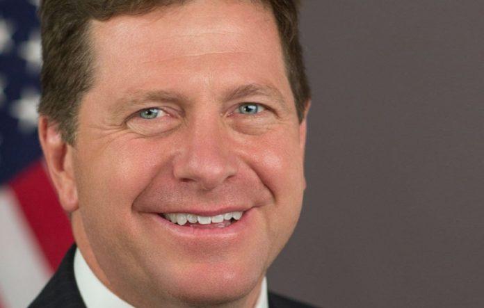 Бывший босс SEC, подавший в суд на Ripple, возглавил крупную фирму по управлению активами