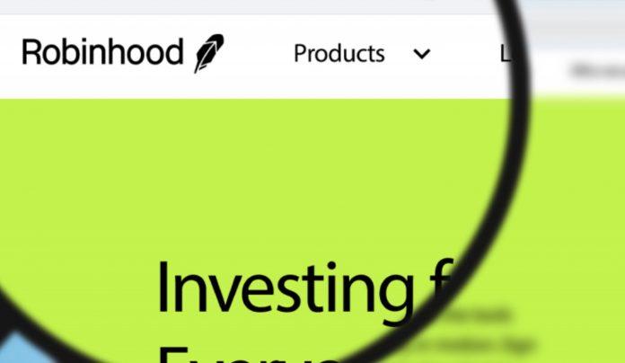 Брокерское приложение Robinhood приветствовало Бенджамина Мельницки в качестве нового директора по комплаенсу, который также занимает ту же должность в Grayscale Investments. Он присоединился к Grayscale в начале января этого года.